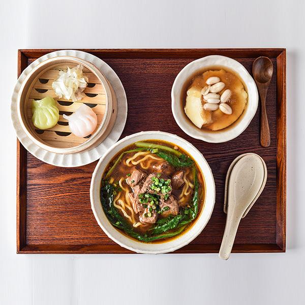 劉ママの牛肉麺セット