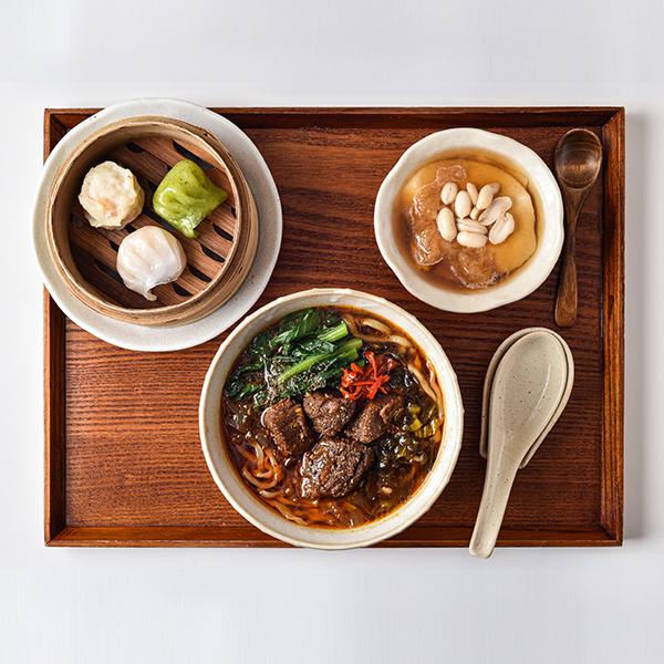 麻辣(マーラー)牛肉麺セット